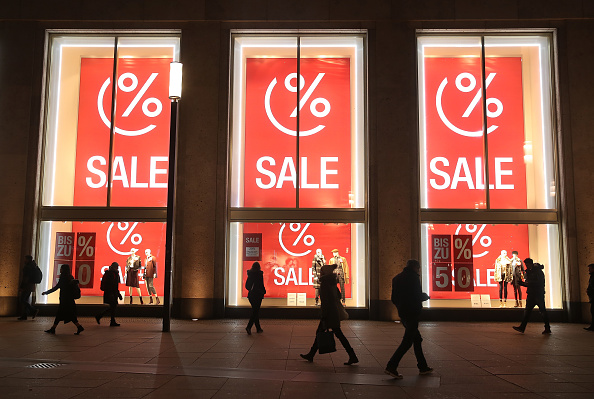 Sale「Retailers Offer Post-Christmas Sales」:写真・画像(4)[壁紙.com]