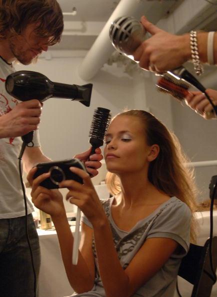Fashion Model「Narciso Rodriguez Spring 2006 - Backstage」:写真・画像(6)[壁紙.com]