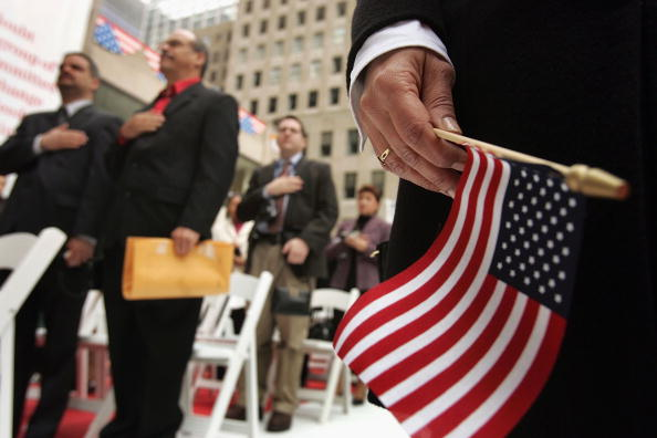 "Citizenship「New Citizens Sworn In At ""Democracy Plaza"" In New York」:写真・画像(5)[壁紙.com]"