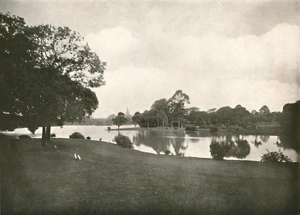 Water Surface「Royal Lakes」:写真・画像(6)[壁紙.com]