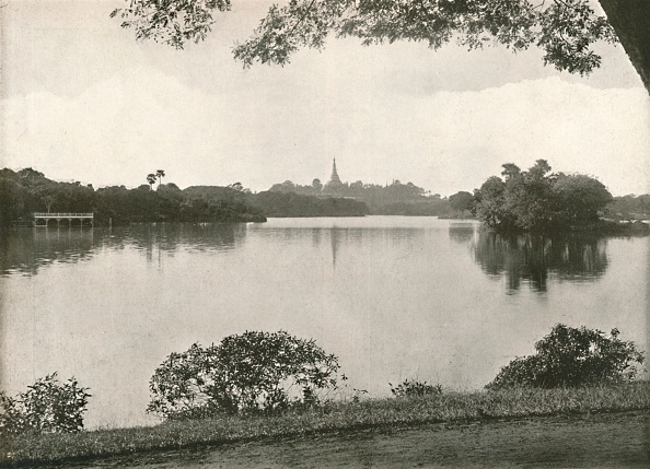 Water Surface「Royal Lakes」:写真・画像(18)[壁紙.com]