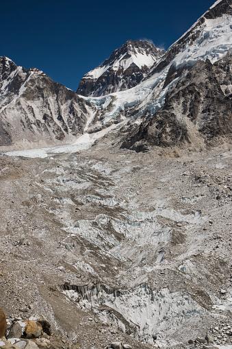 Khumbu Glacier「Khumbu Glacier near Gorak Shep, Everest Base Camp Trek, Nepal」:スマホ壁紙(0)