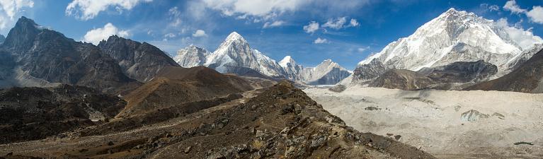 Khumbu「Khumbu Glacier in Nepal Himalayas」:スマホ壁紙(9)