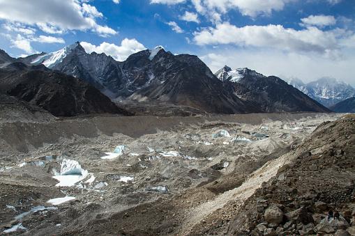 Khumbu Glacier「Khumbu Glacier in Nepal Himalayas」:スマホ壁紙(13)