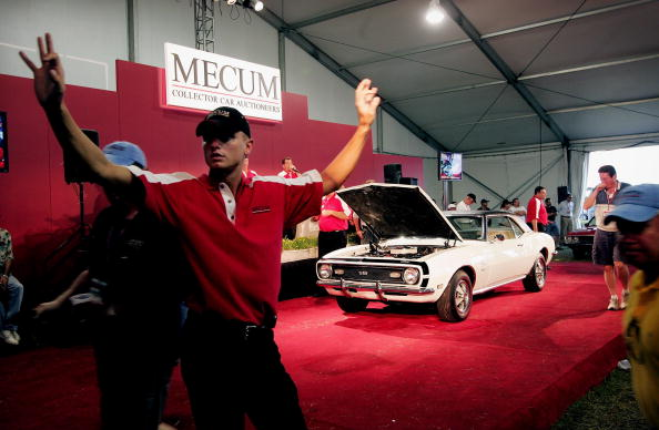 Collector's Car「Classic American Cars Fetch High Prices At Auction」:写真・画像(5)[壁紙.com]