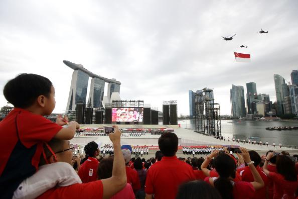 CH-47 Chinook「Singapore National Day Parade 2014」:写真・画像(2)[壁紙.com]