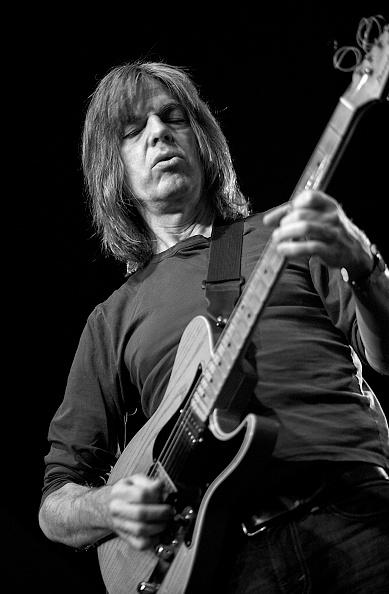 ギタリスト「Mike Stern, 2013」:写真・画像(11)[壁紙.com]