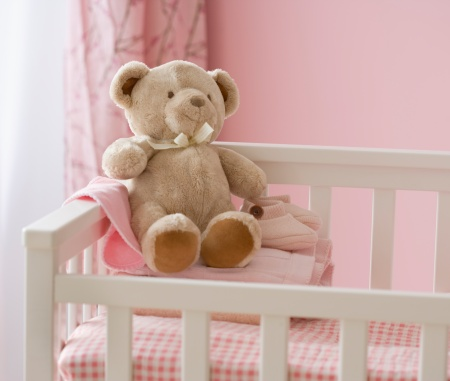 Teddy Bear「Teddy bear in crib」:スマホ壁紙(18)