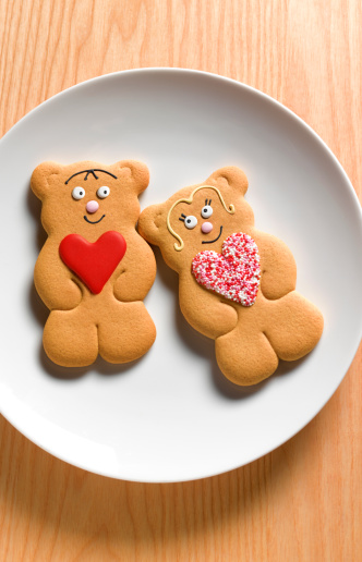Gingerbread Woman「Teddy bear gingerbread man on plate」:スマホ壁紙(13)