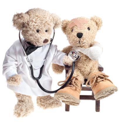 Stuffed Animals「Teddy Bear Doctor with Injured Patient」:スマホ壁紙(1)
