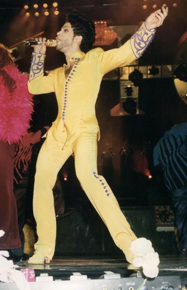 Yellow「Prince」:写真・画像(12)[壁紙.com]