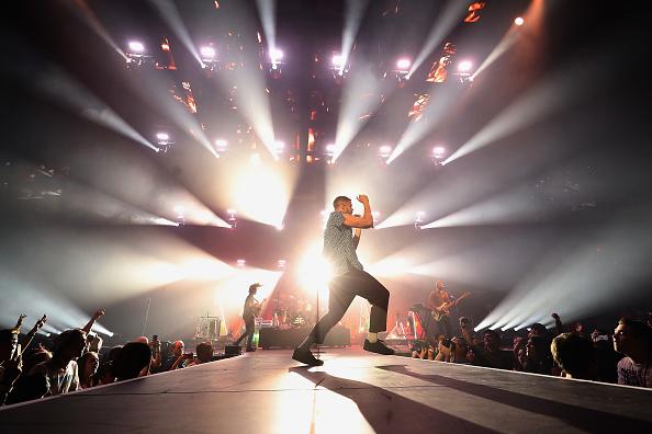 ギタリスト「Imagine Dragons Performs At Talking Stick Resort Arena」:写真・画像(17)[壁紙.com]