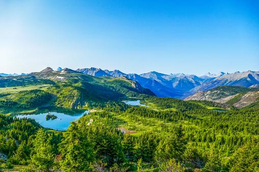 Mt Assiniboine「Sunshine Meadows Vista, Banff National Park, Canada」:スマホ壁紙(10)