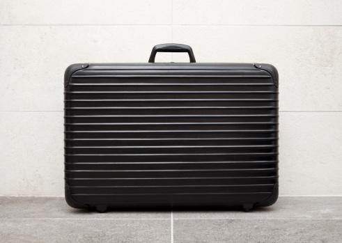 Leaving「Suitcase」:スマホ壁紙(19)