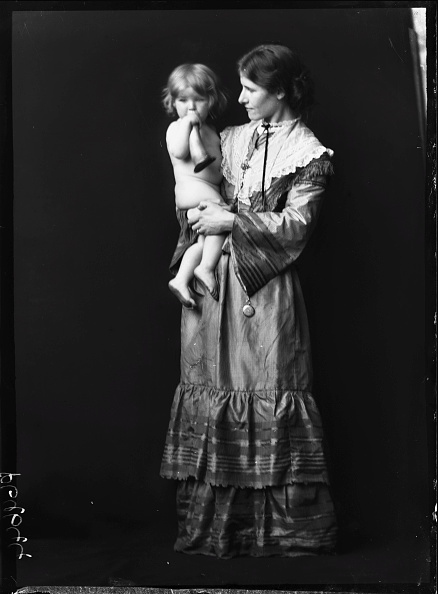 1900-1909「Grace Orpen With First Child」:写真・画像(9)[壁紙.com]