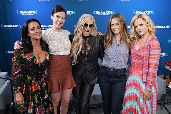 Five People「Jenny McCarthy's 'Inner Circle' Series On Her SiriusXM Show 'The Jenny McCarthy Show' With The Cast Of American Woman」:写真・画像(19)[壁紙.com]