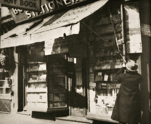 Avenue「Opening For Business' Stationery Shop In Manhattan New York USA 1930」:写真・画像(5)[壁紙.com]