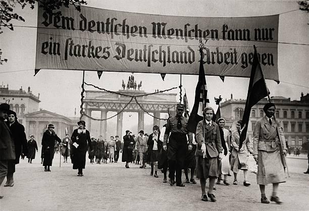 National socialist demonstration in Berlin:ニュース(壁紙.com)