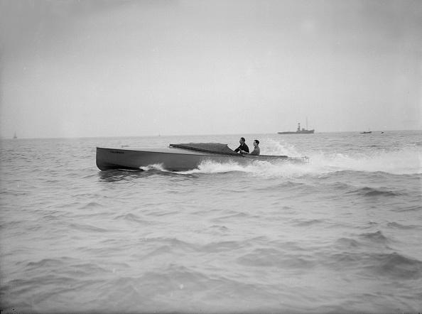 1900「The Hydroplane Columbine Under Way」:写真・画像(4)[壁紙.com]