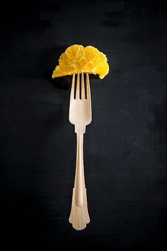 Fork「Fork with orange slice」:スマホ壁紙(19)