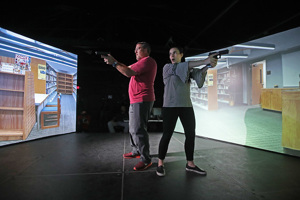 Workshop「Police In Utah Train Teachers On Active Shooter Situations」:写真・画像(6)[壁紙.com]