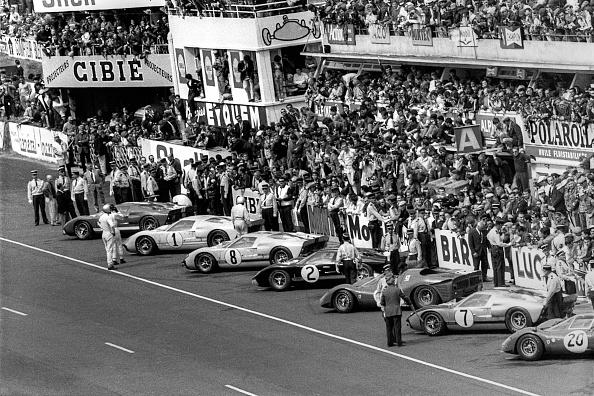 Ferrari「Dan Gurney, Ken Miles, John Whitmore, Bruce McLaren, Pedro Rodriguez, 24 Hours Of Le Mans」:写真・画像(12)[壁紙.com]