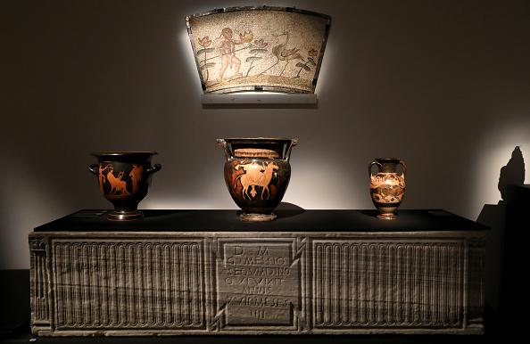 花瓶「Sotheby's Old Masters & Ancient Sculpture Preview」:写真・画像(5)[壁紙.com]