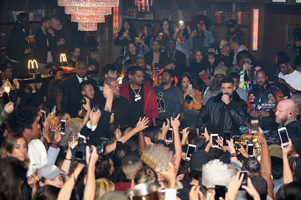 Jerritt Clark「Drake Surprises Guests With McDonald's Late Night Bites At Poppy NightClub」:写真・画像(3)[壁紙.com]