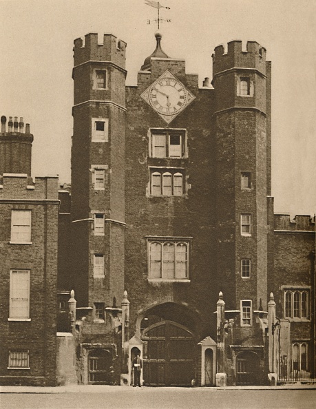 Palace「Brick Gate House For A Royal Hunting Lodge In St Jamess C」:写真・画像(5)[壁紙.com]