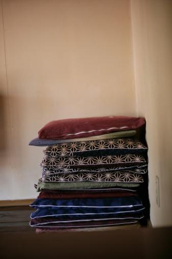 Zabuton「Square Japanese floor cushions 」:スマホ壁紙(1)