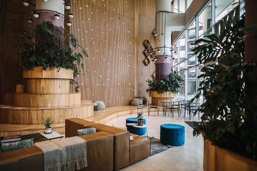 Hotel Reception「Modern lounge area of a hotel」:スマホ壁紙(3)