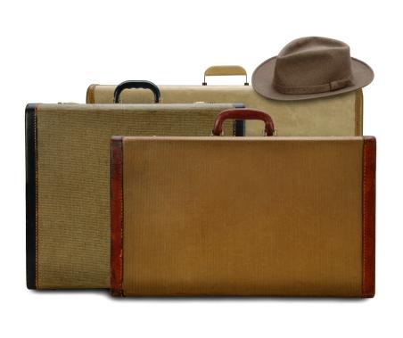 Fedora「Vintage Suitcases with Fedora」:スマホ壁紙(13)
