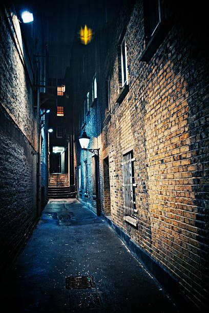 dark alley:スマホ壁紙(壁紙.com)