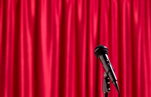 Closed「Microphone with red theatre curtain」:スマホ壁紙(1)