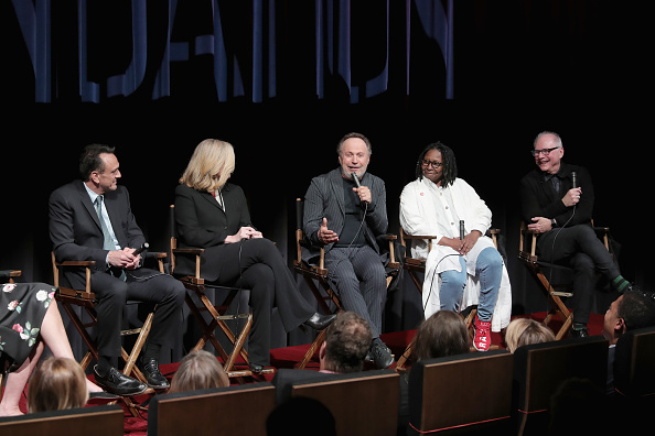 ビリー クリスタル「SAG-AFTRA Opens Robin Williams Center In NYC - Grand Opening」:写真・画像(19)[壁紙.com]