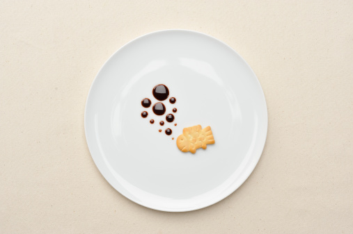 Plate「Biscuits in the shape of a fish」:スマホ壁紙(11)