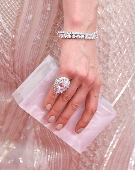 Ring - Jewelry「66th Annual Primetime Emmy Awards - Arrivals」:写真・画像(17)[壁紙.com]
