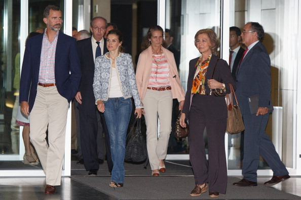Princess Elena of Spain「King Juan Carlos Goes Under Surgery at Quiron Hospital」:写真・画像(17)[壁紙.com]