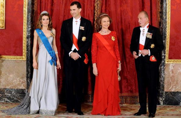 Felipe VI of Spain「Spanish Royals Host Gala Dinner Honouring Nicolas Sarkozy & Carla Bruni」:写真・画像(18)[壁紙.com]