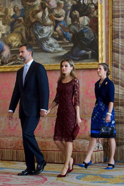 Princess Elena of Spain「Spain's National Day Royal Reception in Madrid」:写真・画像(16)[壁紙.com]