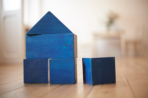Focus On Foreground「Blue wooden building bricks shaping a house」:スマホ壁紙(11)