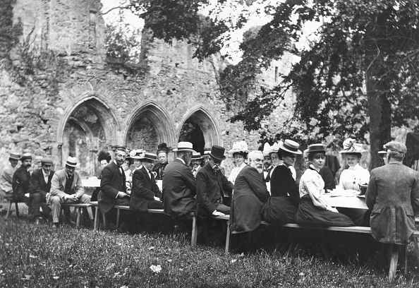 1900-1909「Picnic Party」:写真・画像(4)[壁紙.com]