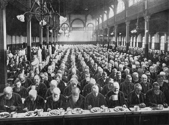 Victorian Style「At dinner, St Marylebone Workhouse, London, c1901 (1903)」:写真・画像(8)[壁紙.com]