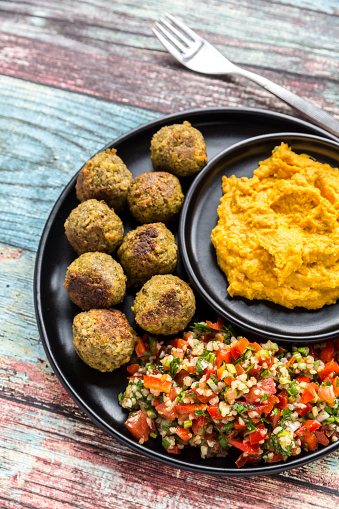 Bulgur Wheat「Falafel with Tabbouleh and Hummus」:スマホ壁紙(17)