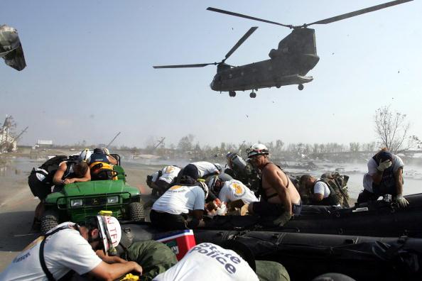 CH-47 Chinook「Hurricane Katrina Aftermath - Day 13」:写真・画像(18)[壁紙.com]