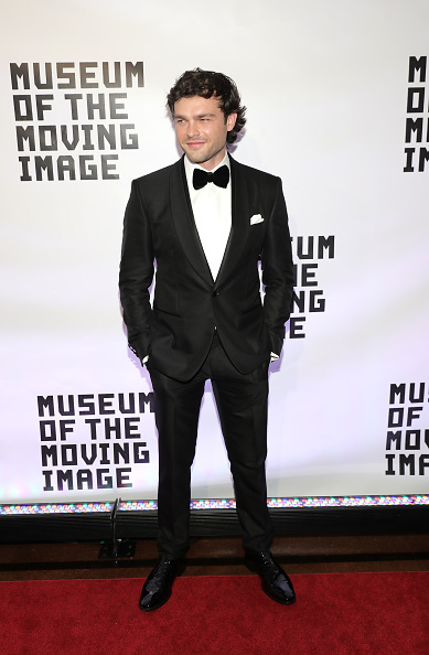 Pocket Square「Museum Of The Moving Image 30th Annual Salute - Arrivals」:写真・画像(13)[壁紙.com]