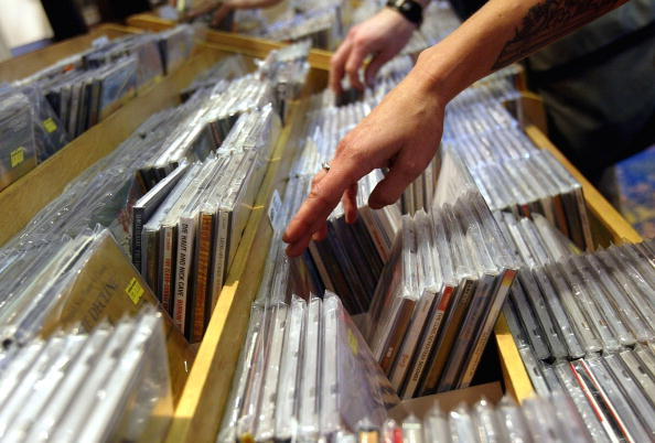 音楽「CD Sales Rebound In First Quarter Of 2004」:写真・画像(5)[壁紙.com]
