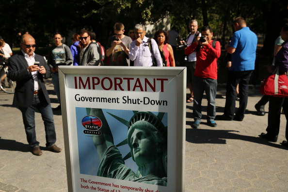 Politics「Government Shutdown Closes Statue Of Liberty」:写真・画像(2)[壁紙.com]