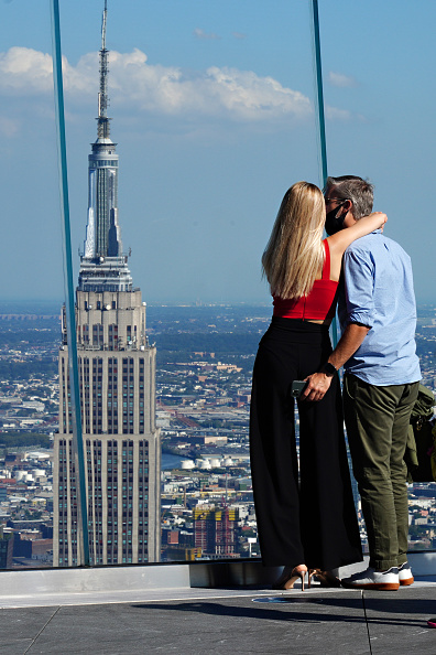 At The Edge Of「Hudson Yard's Observation Deck The Edge Reopens To The Public」:写真・画像(6)[壁紙.com]