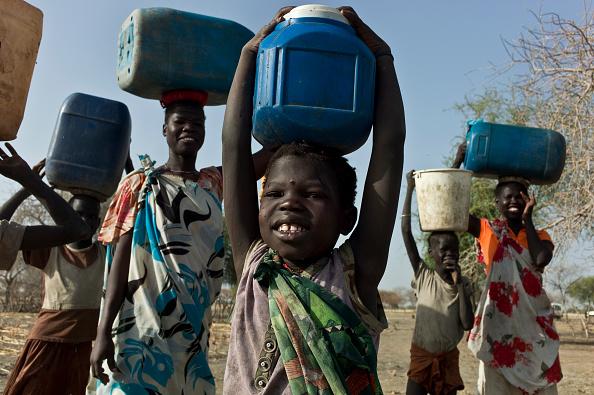 Tom Stoddart Archive「Collecting Water In South Sudan」:写真・画像(16)[壁紙.com]